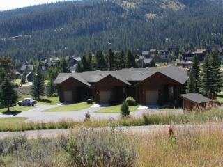 Big Sky Montana Vacation Rental, log cabin style