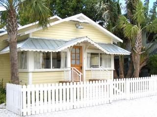 Historic Gulf Coast Cottage - Taste of Old Florida, Cortez