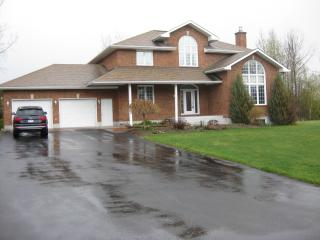 Fully Furnished Whole House 6 bedrooms 4 bathrooms, Gatineau