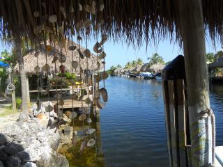 Playa Penelope - your own Tiki & Boat Dock, Key Largo