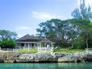 On the Water, Divine Swimming, Sleeps 8, Discovery Bay
