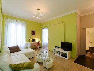CANNES FRENCH RIVIERA 2BR CENTRAL rue de Suffren, Cannes