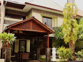 KUTA - Spacious 4 Bedroom Villa - KUTA - dec