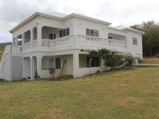 Villa Benito, Pinneys, Nevis 3 mins to golf course