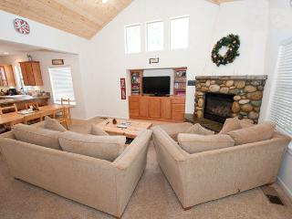 Warm up next to the fireplace or just open the windows and enjoy the fresh mountain air