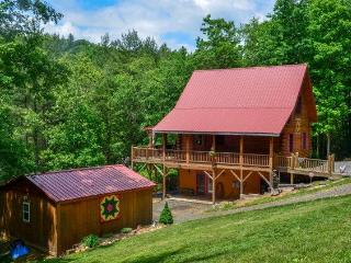 Beautiful Log Cabin in the NC Blue Ridge Mountains