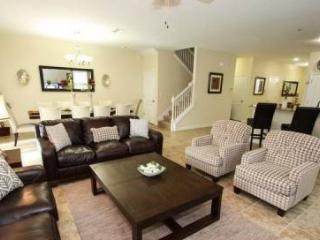 9 Bedroom Pool Home, Sleeps up to 24 people, Professionally Decorated. 1475MVD