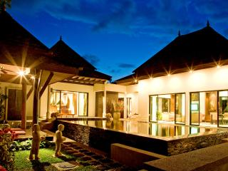 Luxury Asian Pool Villa