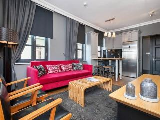 2BR★DELUXE★COZY★DESIGNER★GALATA!, Istanbul