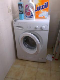 Washing machine with accessories.