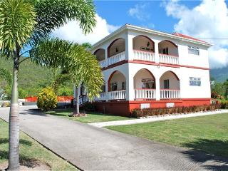 Crimson House  - A Dream Villa in Nevis, Newcastle
