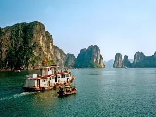 Ha Long Deluxe Cruise, Baie d'Halong