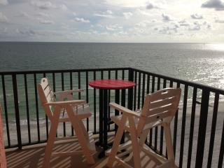 Beach-Front Condo 180-degree Views Of The Gulf