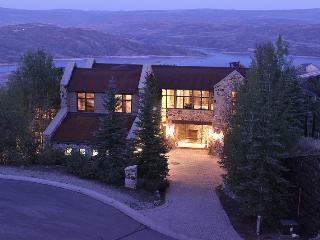 Deer Valley Ski Mansion (ski-in/ski-out), Park City