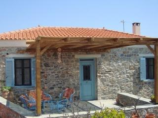 Charming Stone Cottage in Zarakes, Evia (Euboea), Nea Styra