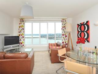 17 Astor House 2 bed stunning sea views from balcony, Torquay