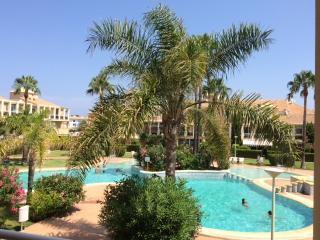 Apartamento de 3 dormitorios en Denia, piscina, 2 minutos de la playa