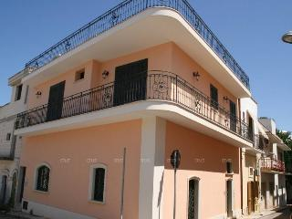 Sea View Apartment for Rent at Santa Maria al Bagno SA170
