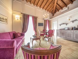 LADY CAPULET - The Duchess Apartment, Verona