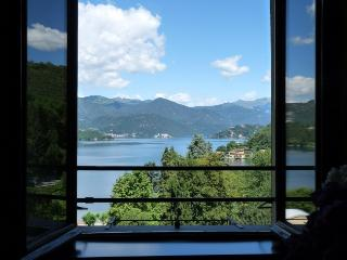 Apartment Lido on Lake Orta with pool and view