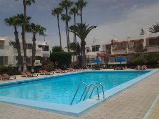 OASIS DEL SILENCIO, piscina , wifi gratis, Costa del Silencio
