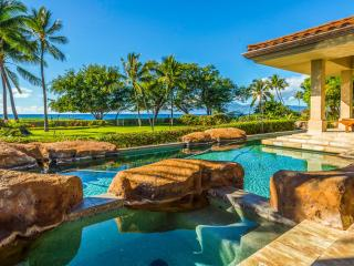 8br Beachfront VIlla on Kaanapali Beach/Pool/Hot Tub/amazing views!, Ka'anapali