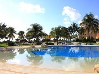 Beach Front Condo Villa del Mar, Puerto Aventuras, Cancún