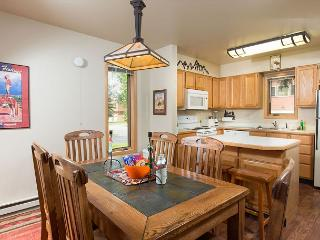 Convenient Jackson Hole Location~Aprox 10 mins to Grand Teton Park~Sleeps 12!