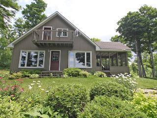 Upper cottage (#903)