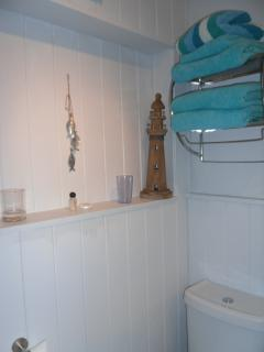 bathroom - beach hut