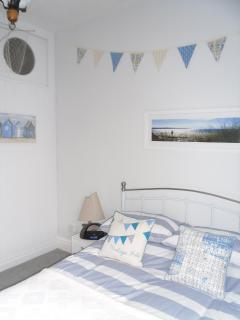 bedroom - beach hut