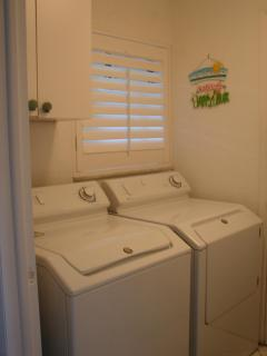 Laundry room w/ fullsize machines