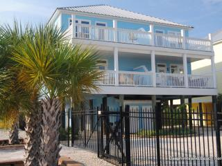 Newer townhouse on beautiful Indian Bay with incredible water views, Boat Slip, Pool Access, Dauphin Island