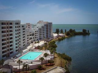 Enjoy Waterfront Living on the Gulf of Mexico!, Hudson