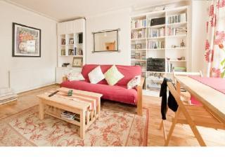 CR143London - Charming garden apartment, Zone 2, sleeps 4, Londres