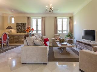 Puerta del Principe II - Luxury Apartment, Seville