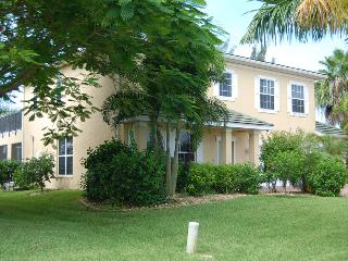 Beautiful 2 Story House Mona Lisa with Pool & Spa, Cape Coral