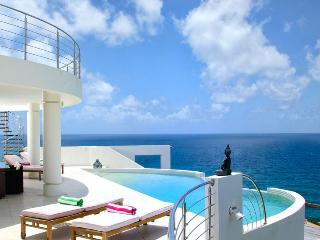 Villa Sky Blue 5 Bedroom SPECIAL OFFER, Philipsburg