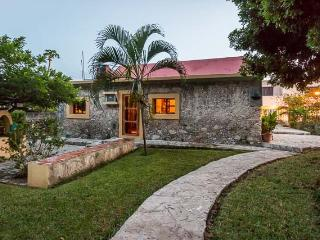 Casita Maya — Centrally Located, Vaulted Ceilings, Stone Constru