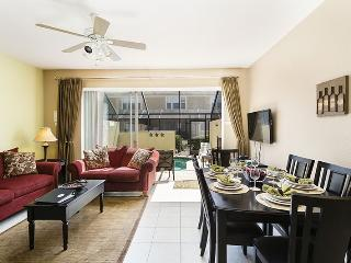 Windsor Wonderland | Luxury Townhome with Upgraded Granite Countertops and South Facing Pool, Kissimmee