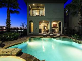 Signature Villa | South Facing Pool, Outdoor Summer Kitchen, Star Wars Theme Room & Games Room with Golden Tee Arcade, Kissimmee