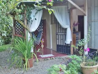 BARGAIN! Cosy 1 Bed Apt. Jungle's Edge, 300m Beach, Puerto Viejo