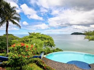 OceanFront Family Villa-Private Pool & Views FL12, Playa Flamingo