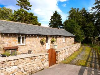 STABLE COTTAGE, en-suite facilities, WiFi, rural location, ground floor cottage near Ingleton, Ref. 913799