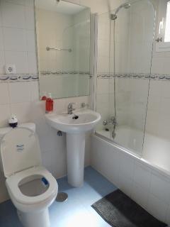 la salle de bain chambre 1
