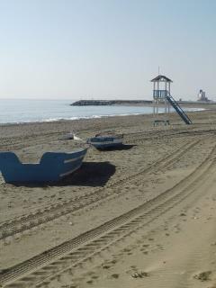 les plages avec les sentiers de promenades au sein d ela réserve naturelle dont 1 GR