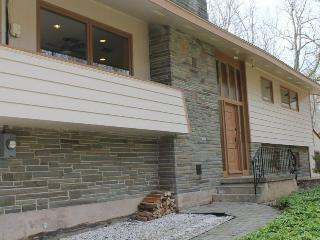 Poconos (Lake Harmony) - 4 Bedroom, 3 Bathroom