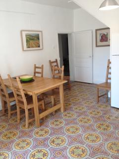 Fully equipped kitchen incl. dish washer and washing machine.
