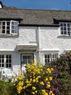 Crumplehorn Cottage No3 dating from 1739 - A beautiful Cornish cottage in Polperro.