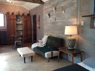 The Cabin at 9055, Boerne